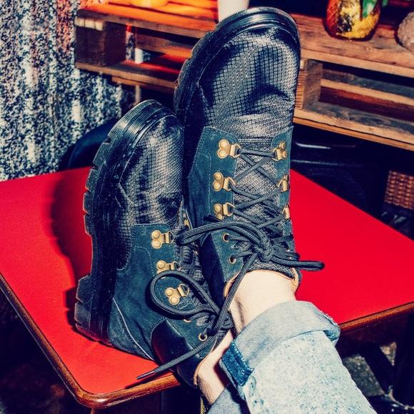 be1bc3e4506 Dr Martens Rakim Hiking 5-Eye Boots